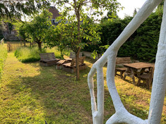 La Brasserie Aubrives Le jardin 3.jpg