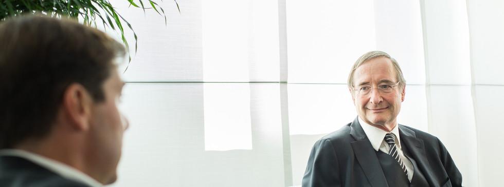 WKO Chef Leitl im Interview mit Rainer Novak + Gerhard Hofer .