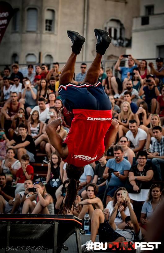 "Jerry L. Burrell doing the ""Hocus-Pocus"" dunk at BuDUNKpest 2016"