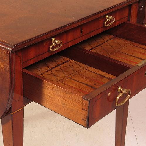 A Sheraton Period Mahogany Pembroke / Games Table - £10750