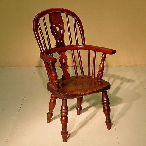 Early 19th Century Yew and Ash Child's Chair - £985
