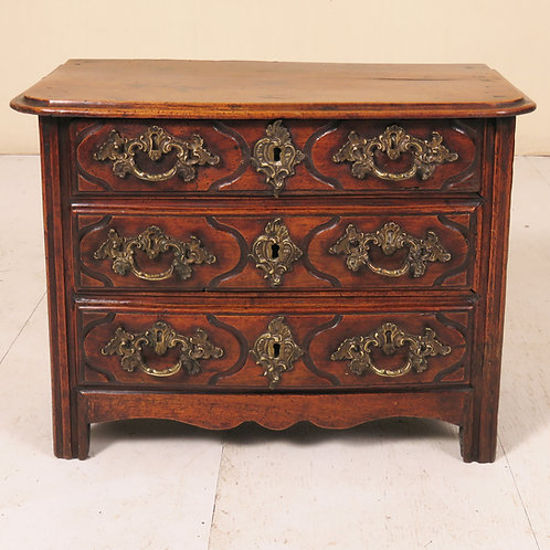 Mid 18th Century French Miniature Commode - £2950