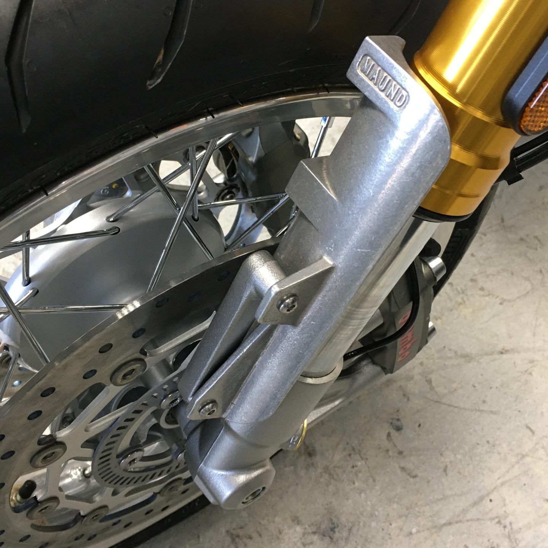 Triumph Thruxton R / RS 1200 fork shroud