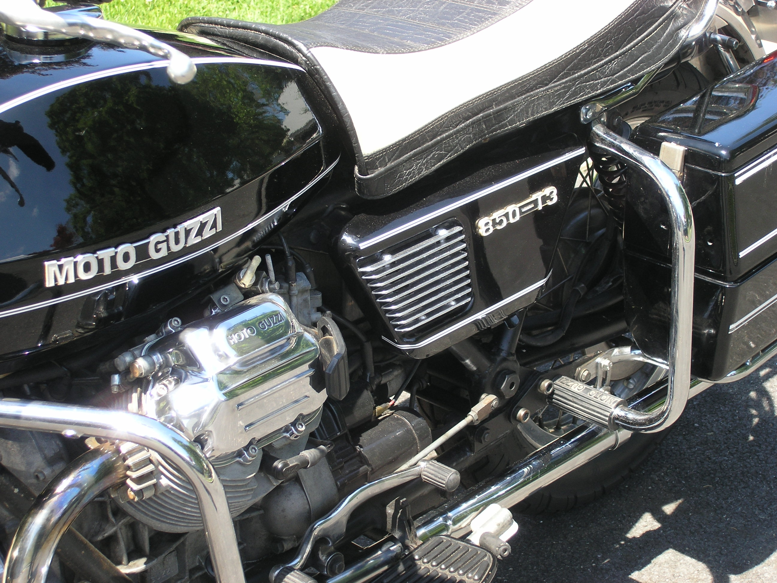 MOTO+GUZZI+GRILLS.JPG+CLOSE.JPG