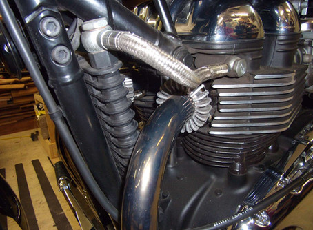 Finned Exhaust Clamps Triumph Thruxton Bonneville 900 How can you live looking like this!