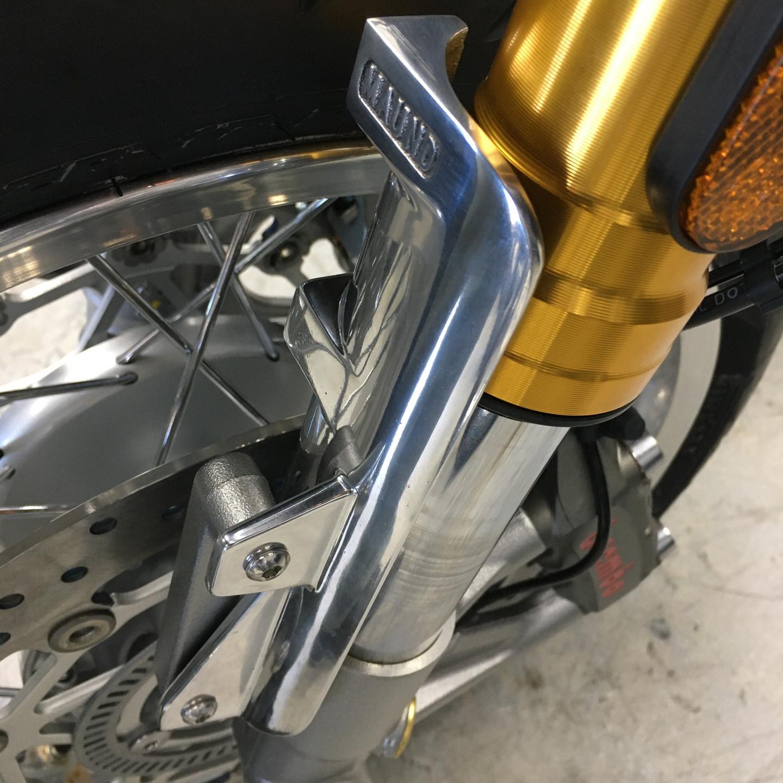 Triumph Thruxton R1200 fork shroud