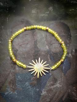 bracelet en perles de verre soleil