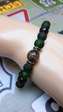 bracelet en perles vert givré homme
