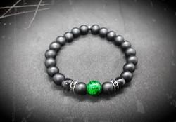 bracelet de perles en verre noir mat