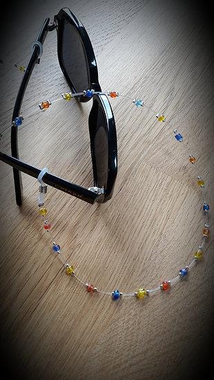 porte lunettes en perles de verre