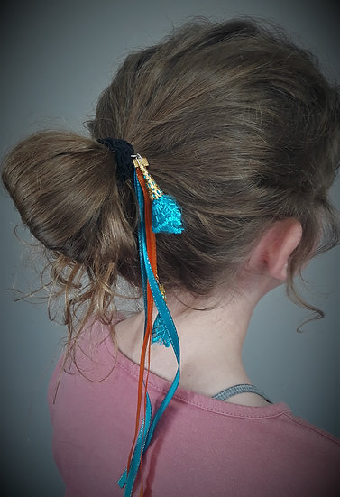 élastique rubans et dentelles orange et bleu