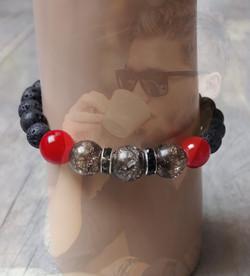 bracelet homme en perles de lave et irisées
