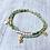 bracelet en fines perles et étoiles or et vert