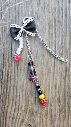 marque pages en perles et nœuds