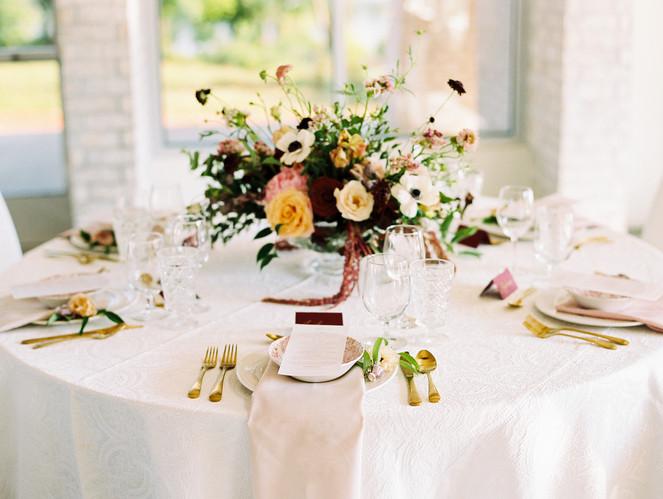 Table setting at Heroncrest wedding