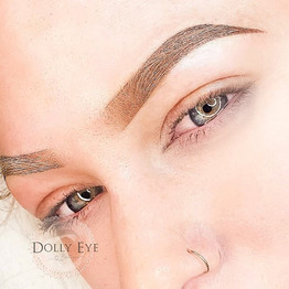 Pair of ombré brows for this pretty clie