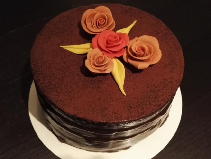 Chocolade taart met decoratie