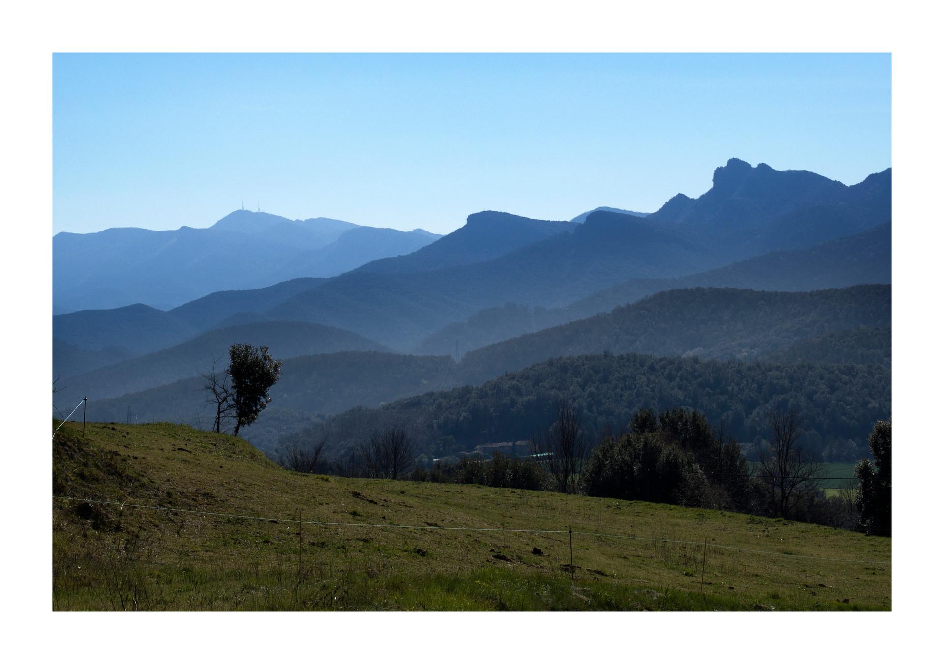 Rocacorba i La Serra de Finestres.jpg