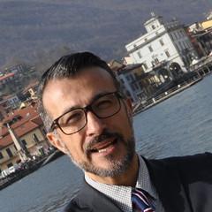 Per Maurizio Frisone Sindaco: stasera serata finale, portici del Municipio.
