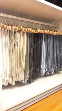 calças organizadas