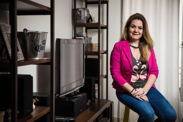 A empresária Priscila Guedes, em sua casa, no Brooklin (zona sul de São Paulo)