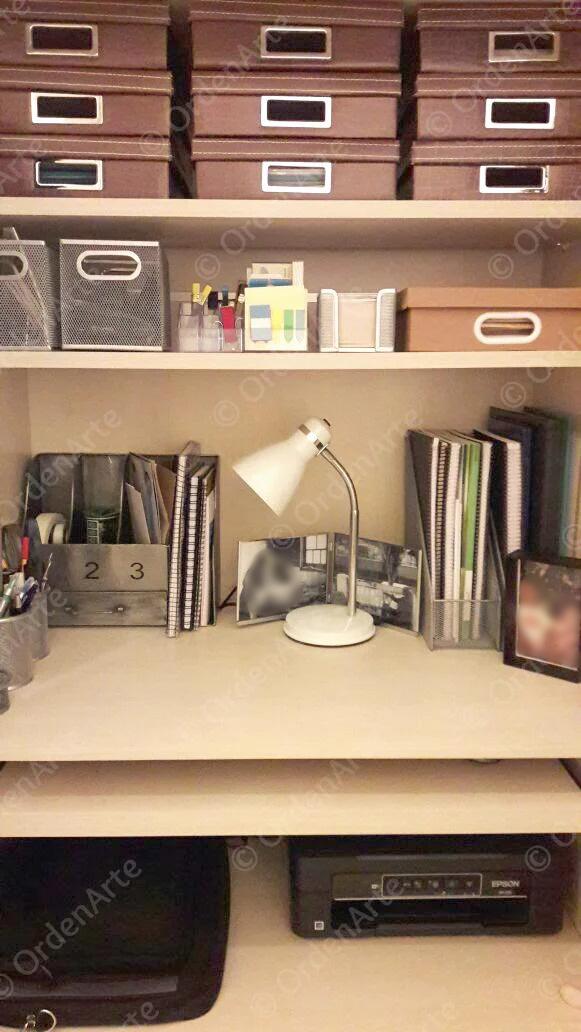 escrivaninha organizada