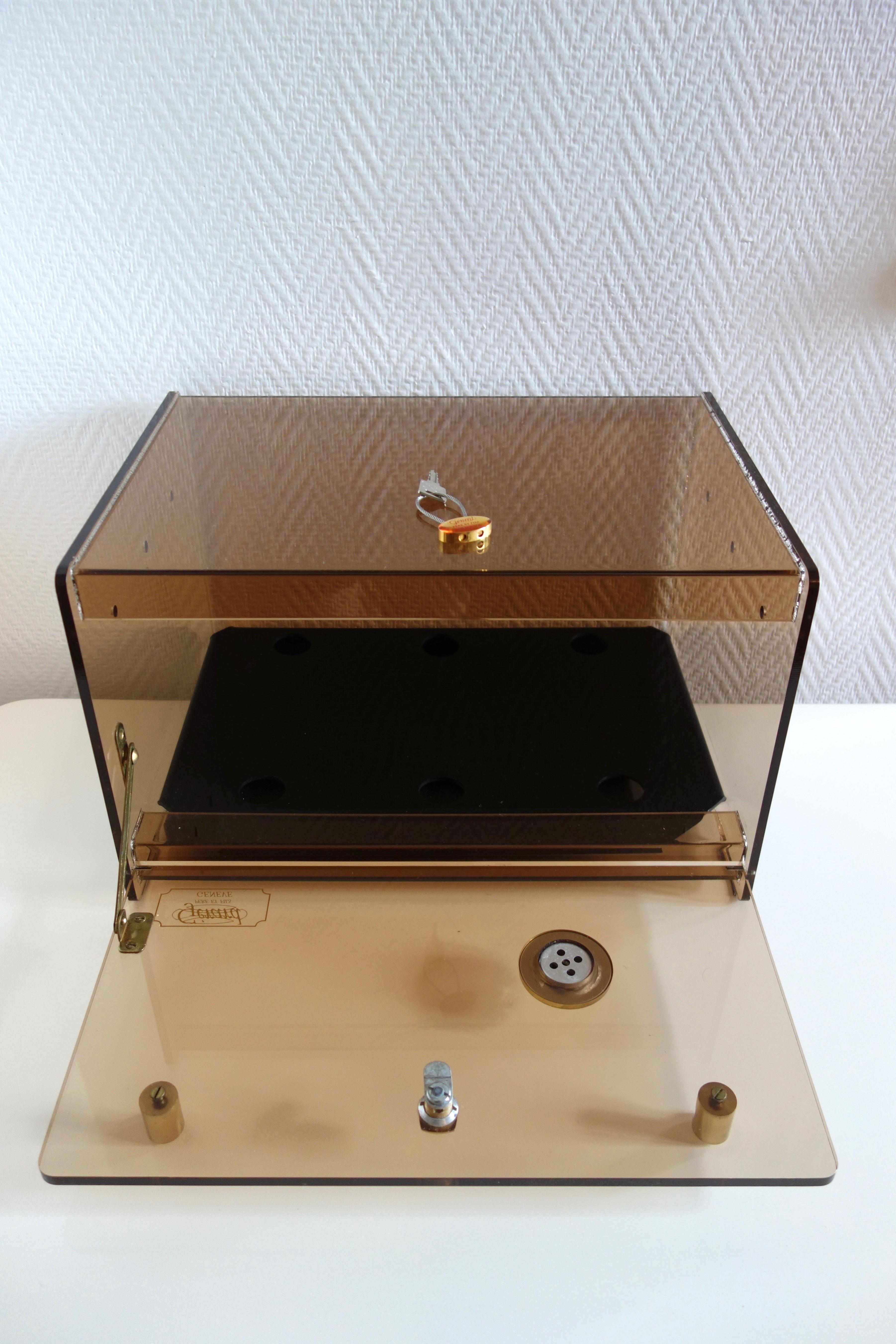 Cave à cigares vintage en plexiglas GERARD années 70