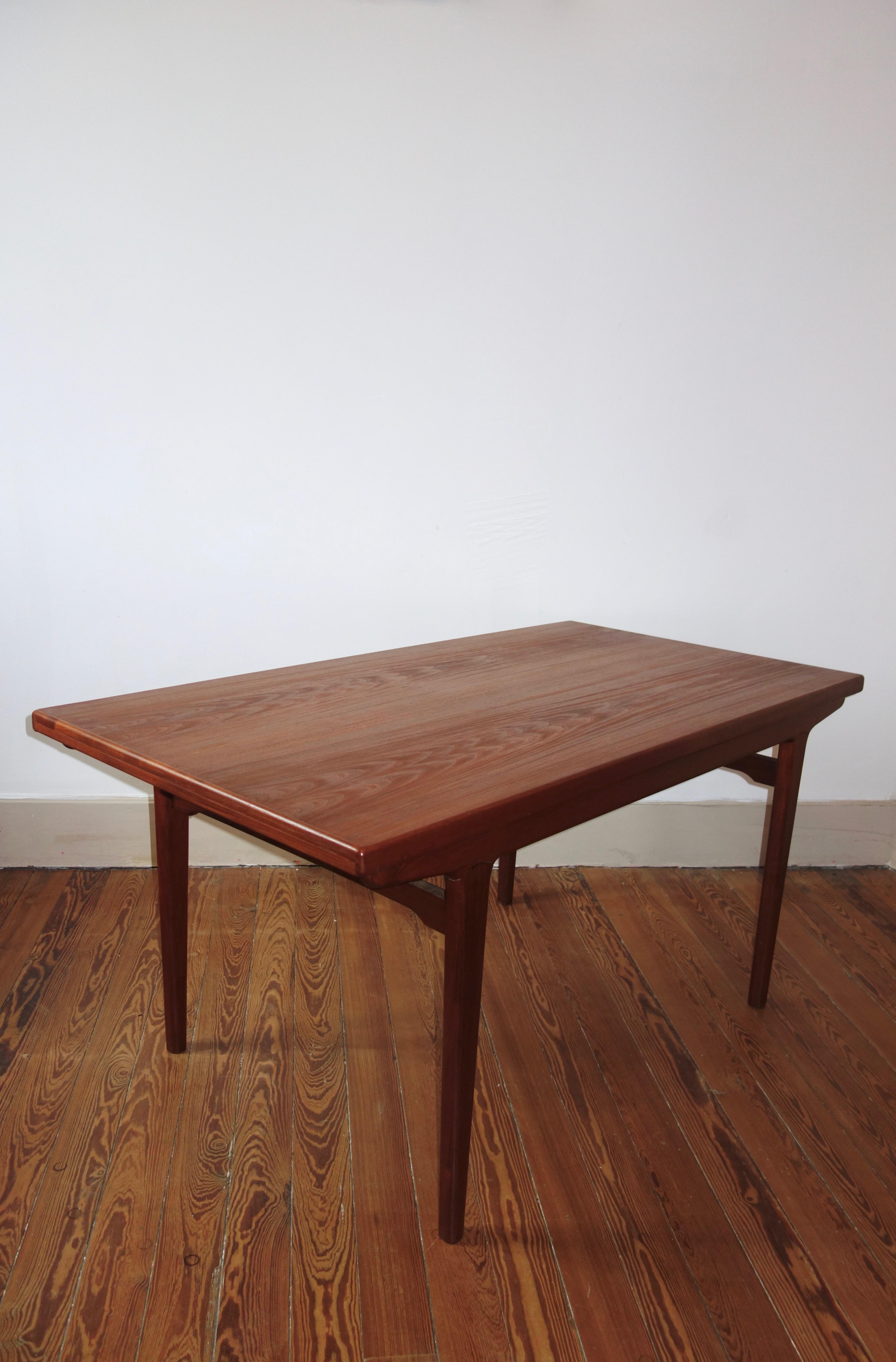 Table scandinave avec rallonge en teck année 60