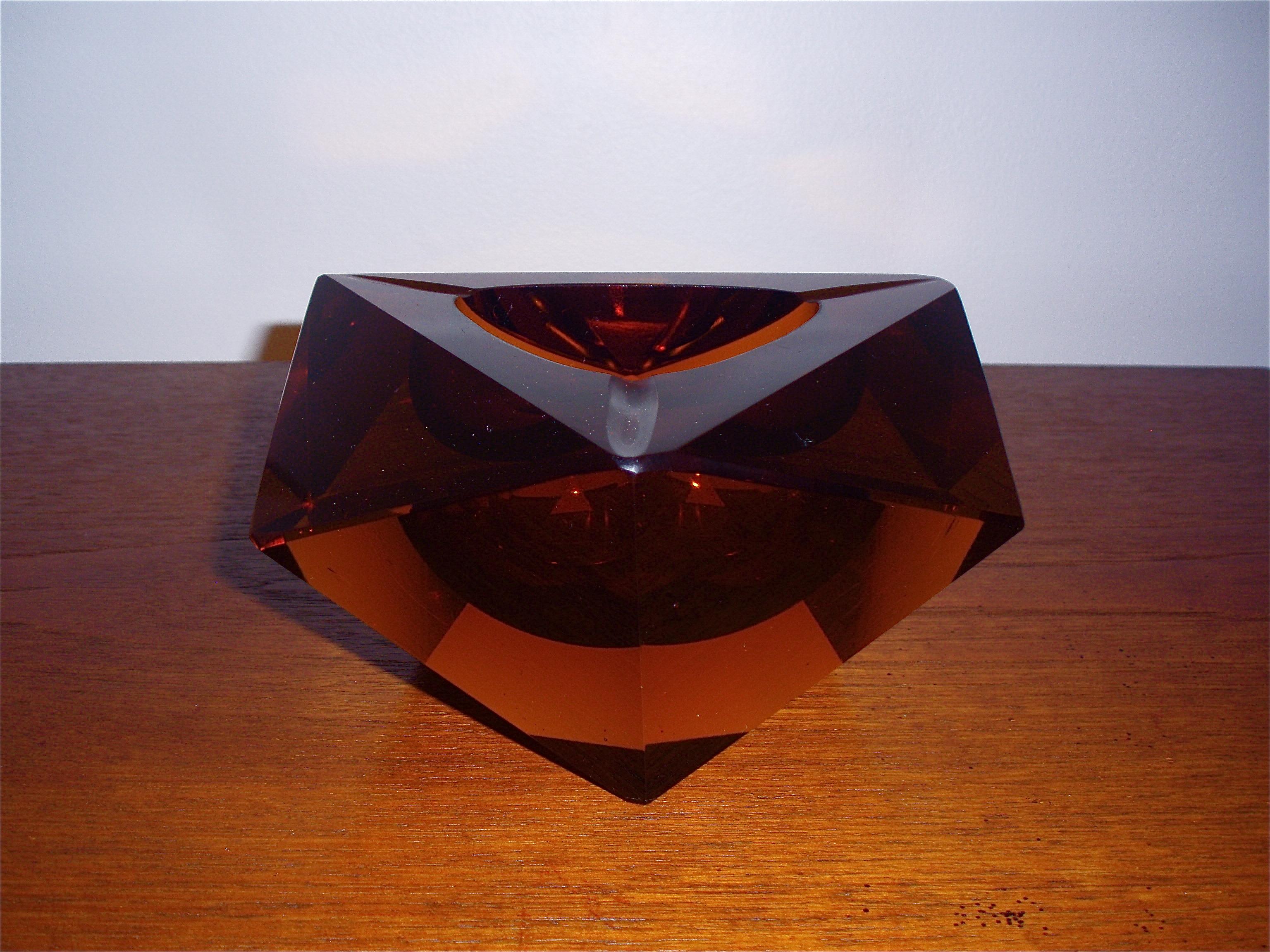 cendrier à facette ambre taille diamant