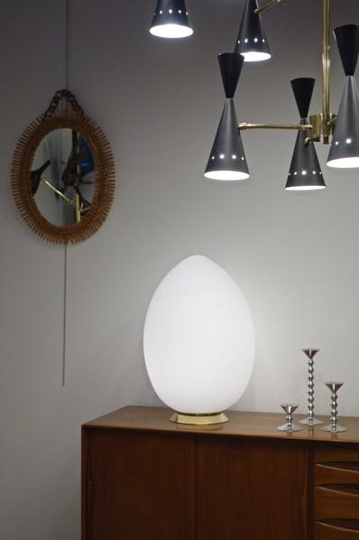 Lampe oeuf en verre de Murano opalin
