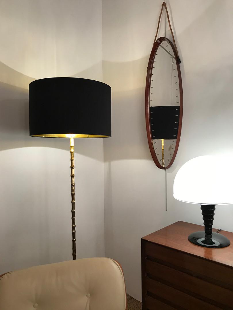 Miroir italien ovale en teck vernis 1950's