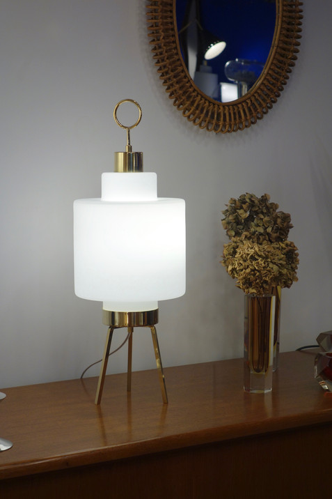 Lampe tripode opaline