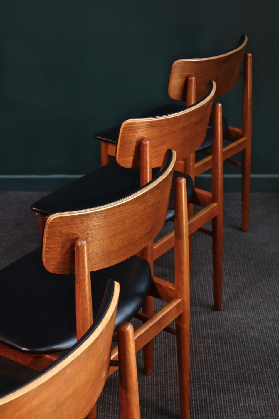 Série de chaises danoises de S.Chrobat p