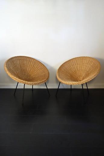 Paire de fauteuils en rotin et métal ann