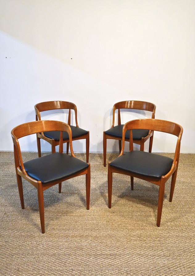 Série de 4 chaises de Johannes Andersen pour Uldum Møbelfabrik