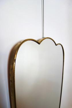 Miroir Italien vintage forme libre en laiton année 50