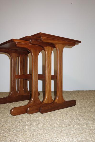 Tables gigognes scandinave en teck des a