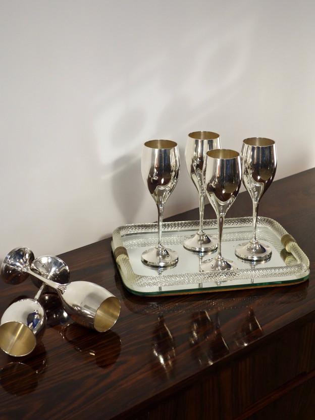 6 flûtes à champagne en métal argenté