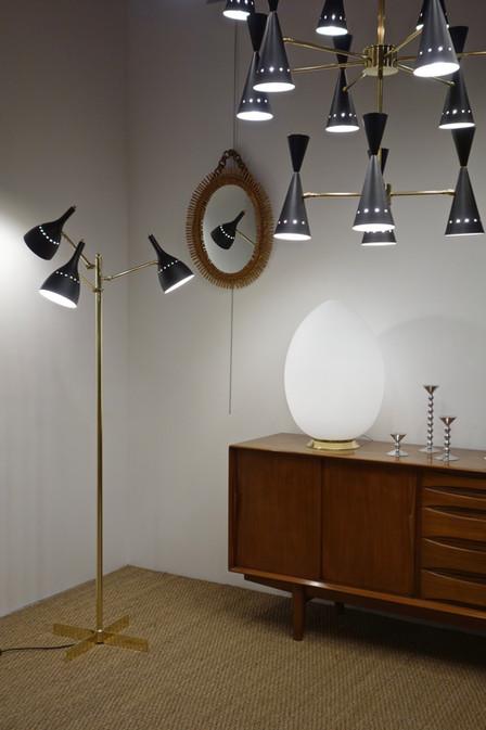 Lampadaire contemprain orientable noir style 50's
