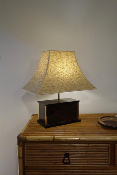 Lampe Pagode en plexiglas façon écaille de tortue attribué à maison Mercier, France 1970's