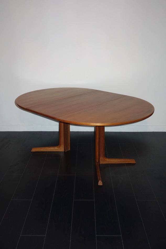 Table de salle à manger scandinave par N
