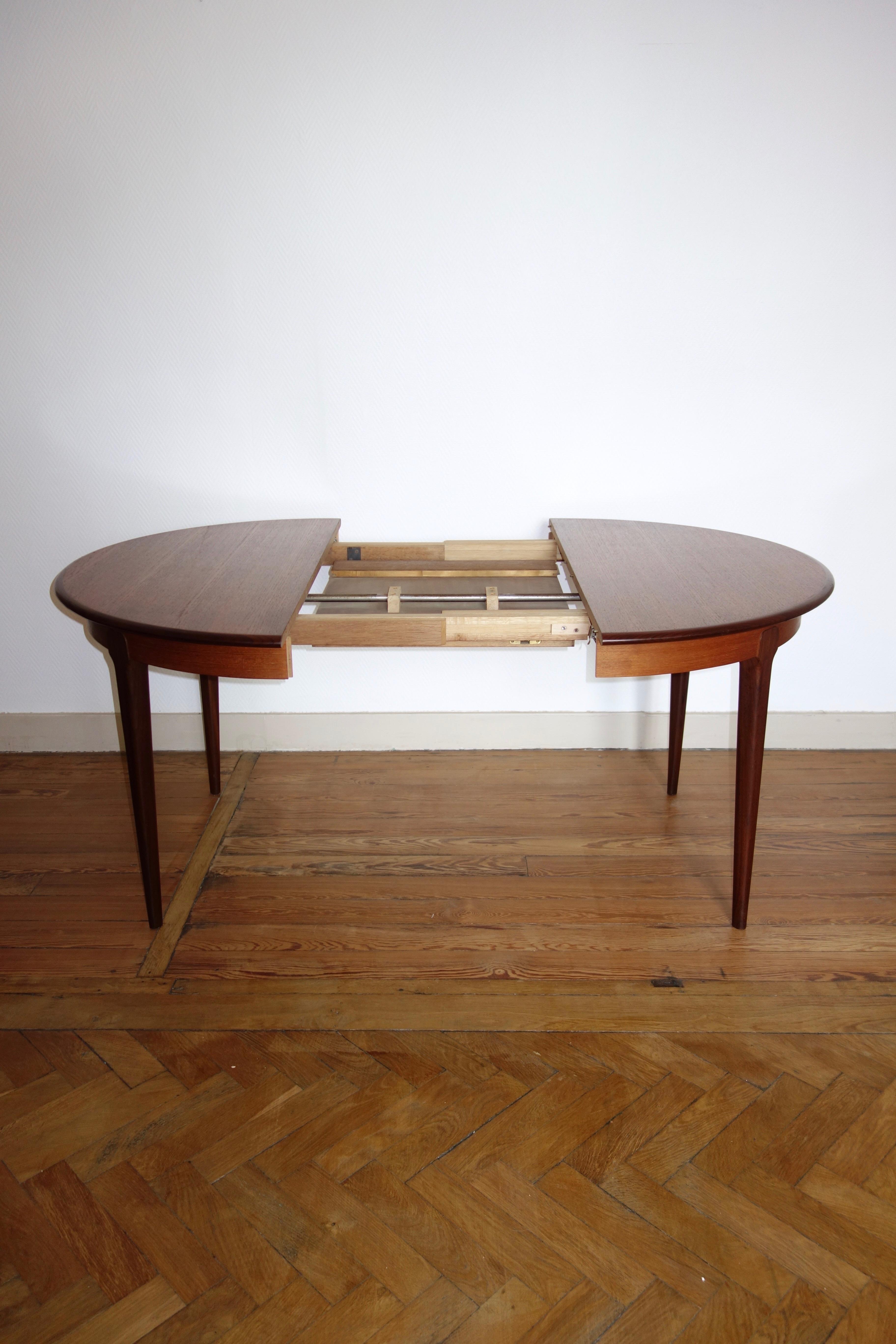 Table à manger vintage en teck esprit scandinave année 60