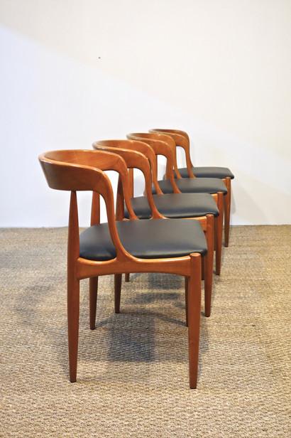 Série de 4 chaises scandinave de Johannes Andersen pour Uldum Mobelfabrik et Samcom, Danemark 1965