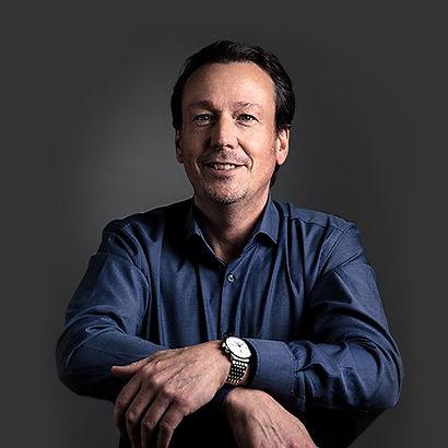 Stephan Vincent Nölke comevis