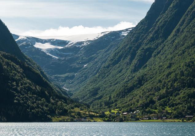 Vom Gletscher bis zum See