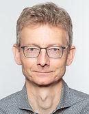 Passbild_Jan_Gäbler-4.jpg