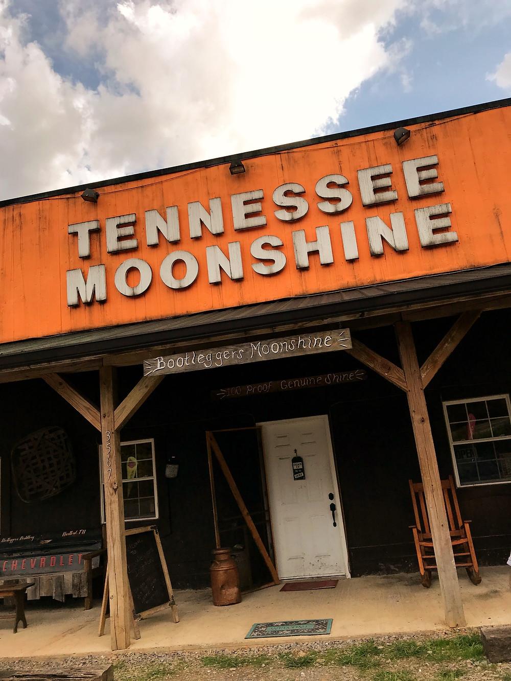 tennessee-moonshine-bootleggers