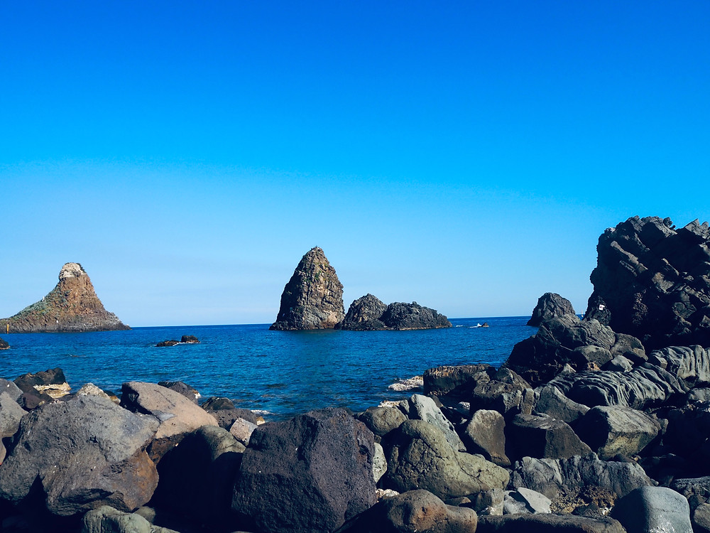 aci-trezza-cyclopean-islands