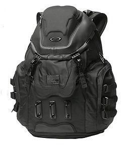 travel-backpack-men.jpg