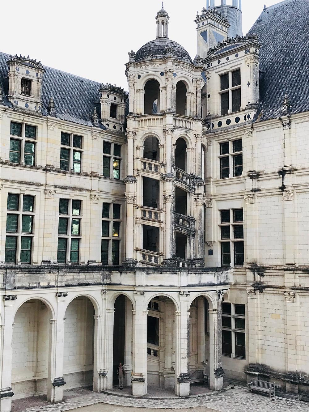 chateau-de-chambord-inner-courtyard
